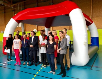 Boxe éducative : inauguration d'un ring gonflable